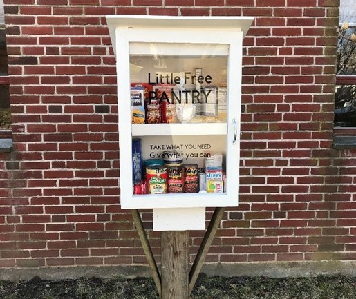 SPOTLIGHT Food Pantries That Come in Snack Size